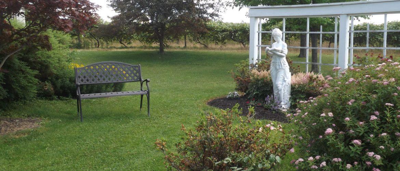 Polly Harper Inn Main Garden